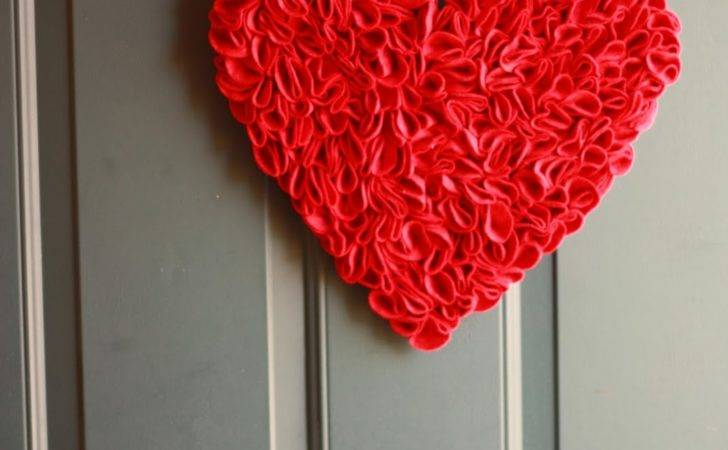 All One Days Time Felt Heart Door Decoration Tutorial