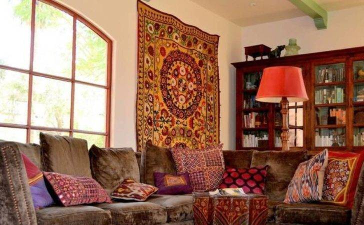 Amazing Home Decoration Ideas Using Indian Wall Tapestry