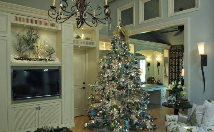 Awesome Christmas Tree Tables Decorating Ideas