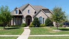 Beautiful Home Roof Green Lawns Dallas