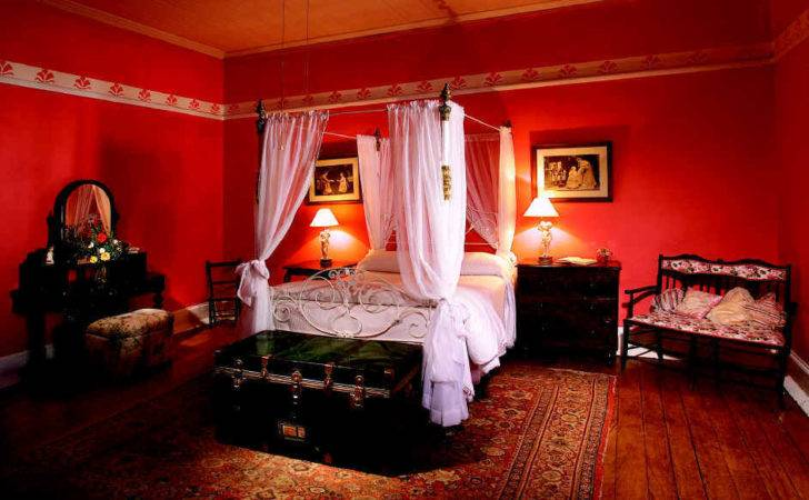 Beautiful Red Decoration Bedroom Performance