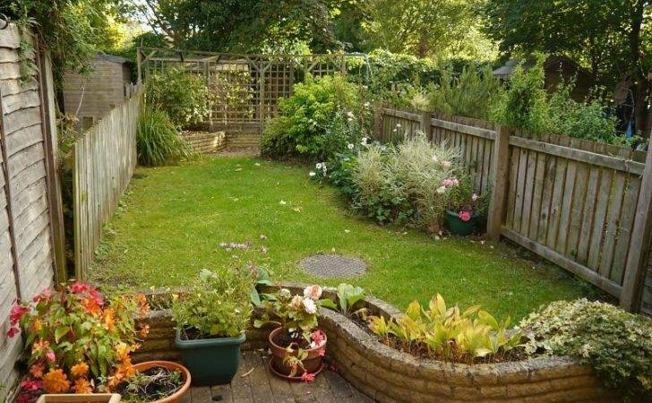 Bedroom Terraced House Sale Dickens Close