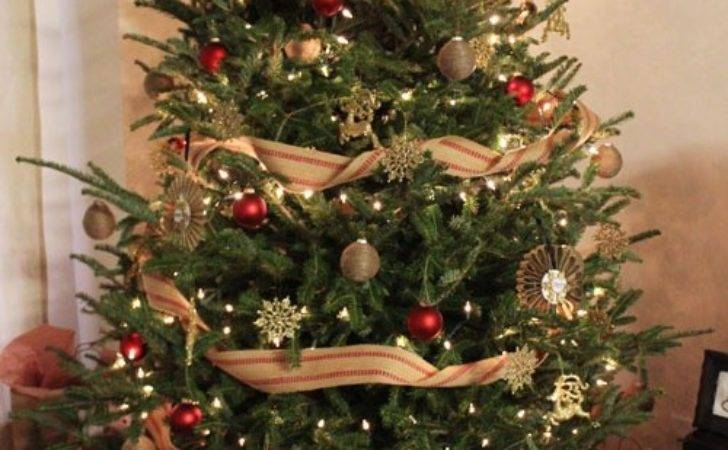 Best Country Living Christmas Tree Contest