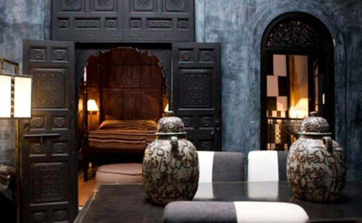 Black Moroccan Design Panda House