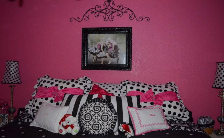Black White Hot Pink Bedroom Decor Looksisquare