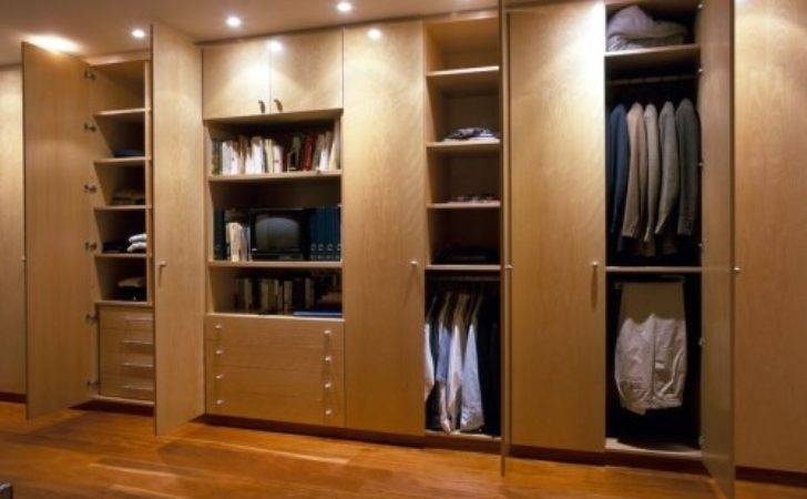 Buy Exclusive Polyurethane Hinged Built Wardrobes Sydney