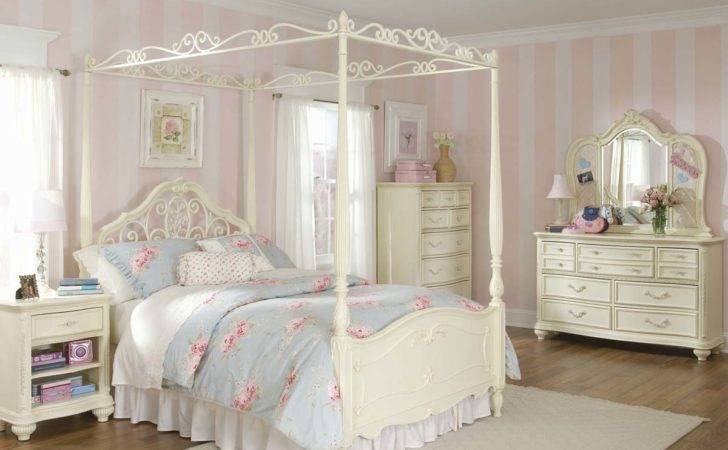 Canopy Bedroom Sets Decorating Ideas