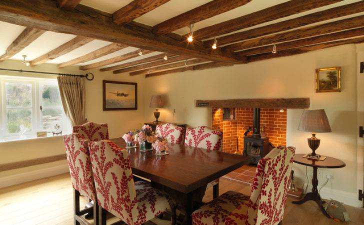 Century Thatched Cottage Farmhouse Dining Room
