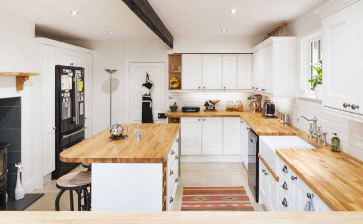 Choosing Right Kitchen Fitter Our Solid Oak