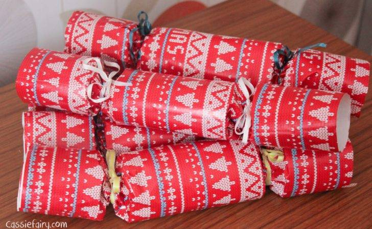 Christmas Crackers Cassiefairy Thrifty Life