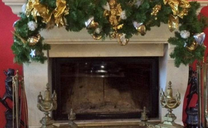 Christmas Fireplace Wreath Angels Gold Silver
