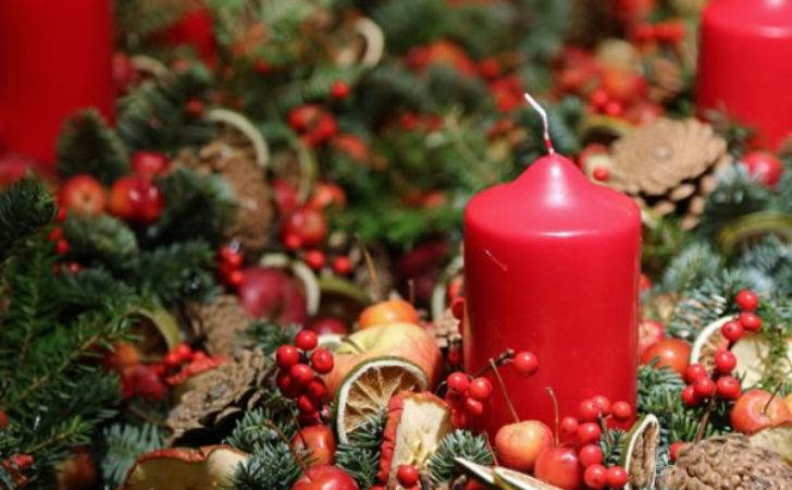 Christmas Flower Table Decoration Photograph Tab
