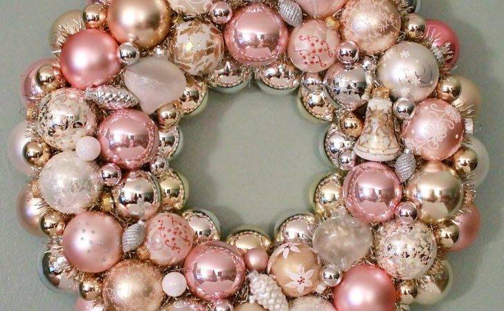 Christmas Ornament Wreath Pastel Pink