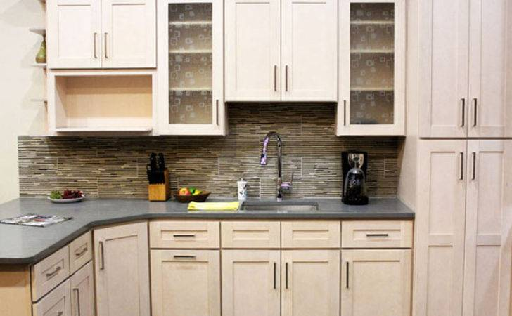 Coline Cabinetry Contemporary Kitchen