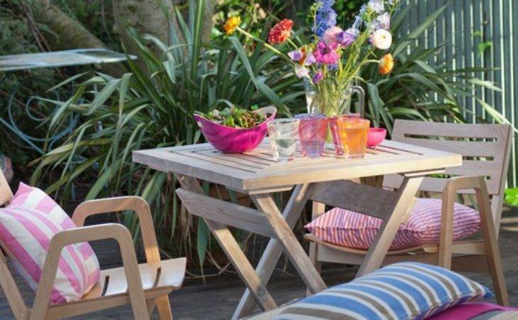Colourful Country Style Garden Patio Decorating