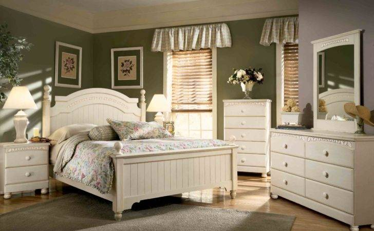 Country Cottage Bedrooms