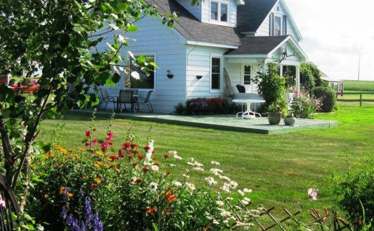 Country Home Sale Near Calgary Alberta Landscaping