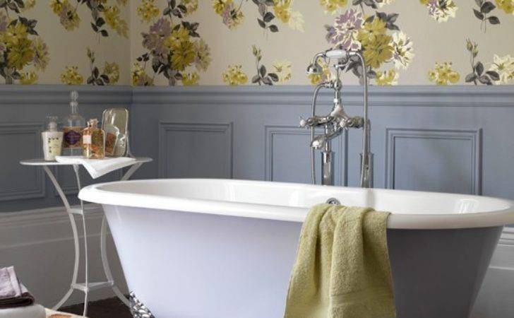 Country Style Floral Bathroom