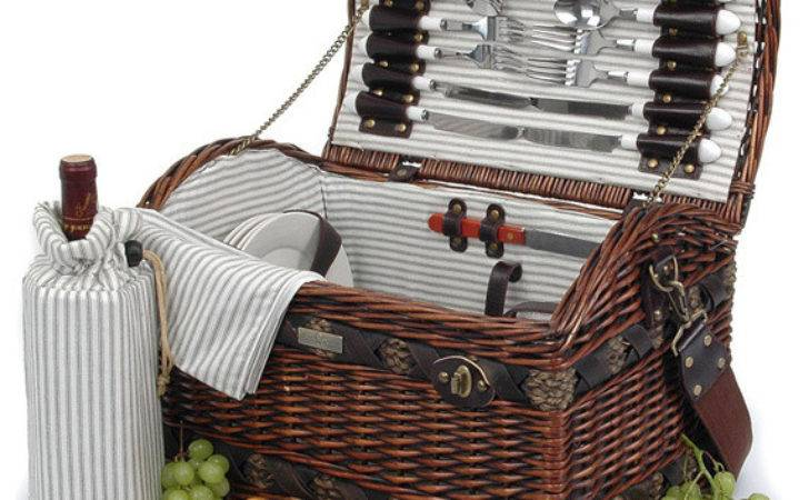 Couture Willow Person Picnic Basket Traditional