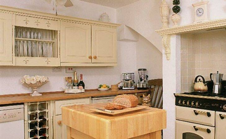 Cream Traditional Kitchen Design Decorating