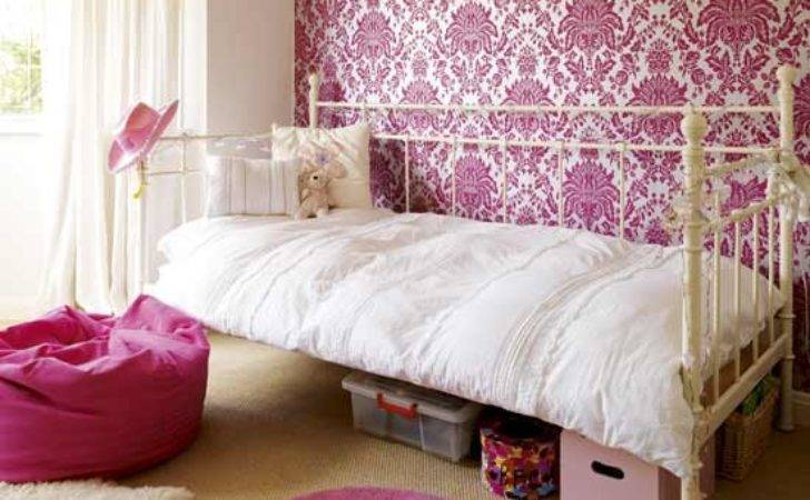 Create Feature Wall Girls Bedrooms