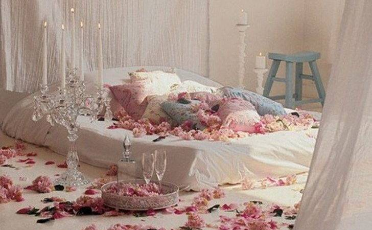 Decorate Bedroom Romantic First Wedding Night