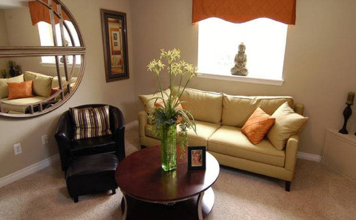 Decorate Small Sitting Rooms Room