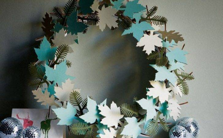 Delicate Paper Wreath Modern Christmas Decorating Ideas
