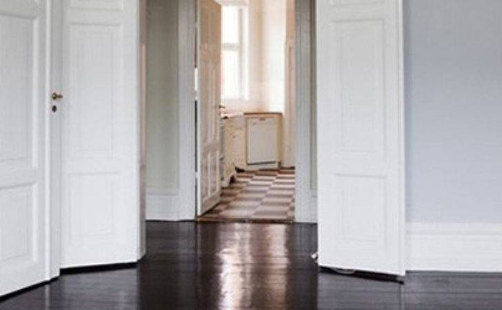 Effectively Paint Doors Skirting Boards