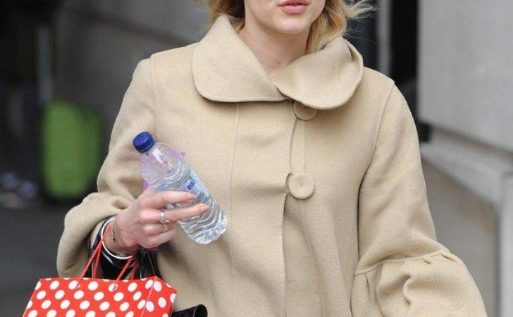 Fearne Cotton Ditches Make She Leaves Work