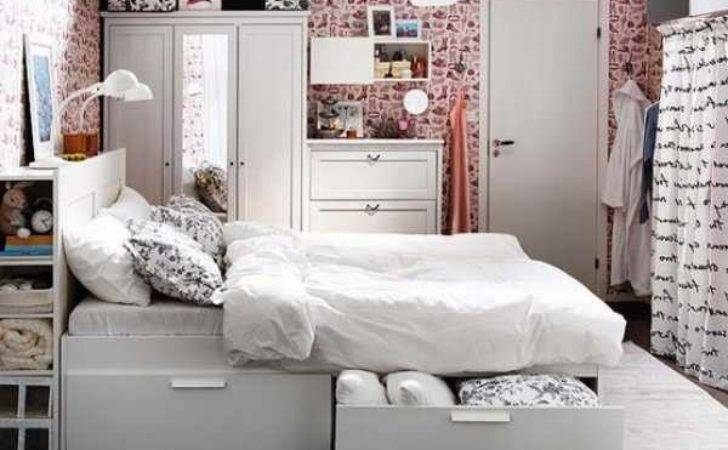 Furniture Pieces Small Spaced Bedroom