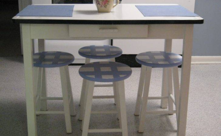 Gadding Grandpat Our Newly Painted Kitchen Stools