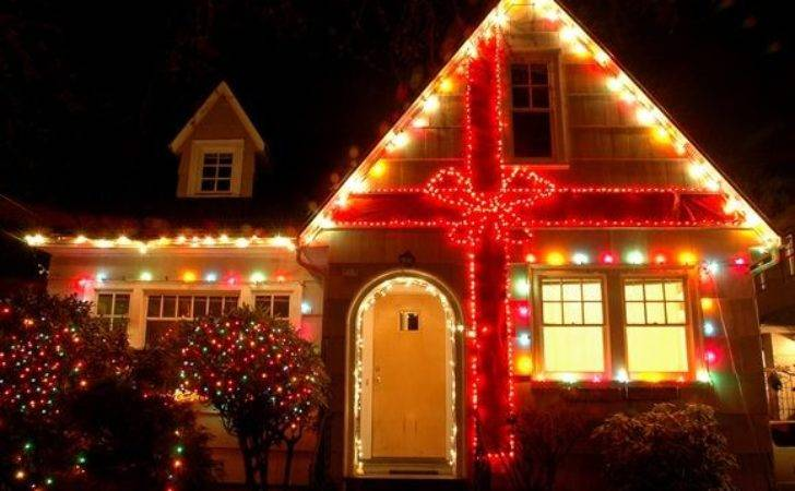 Holiday Light Displays Blow Your Mind