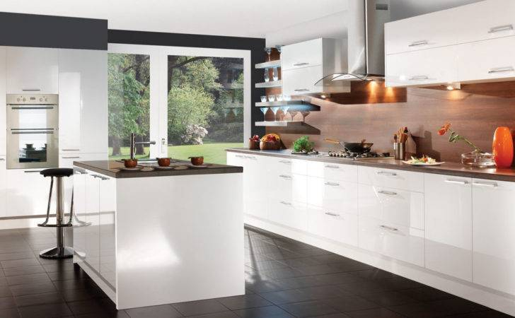 Howdens Gloss Unit Kitchen Supplied Fitted