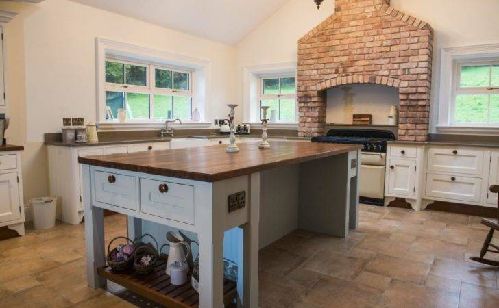 Kitchens Newry Inframe Hand Painted Kitchen