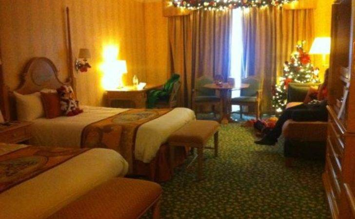 Lovely Christmas Decorations Room