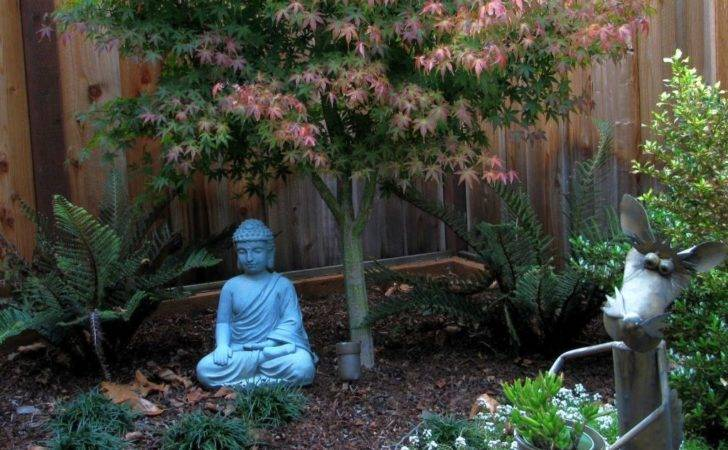 Lovely Japanese Garden Designs Small Spaces