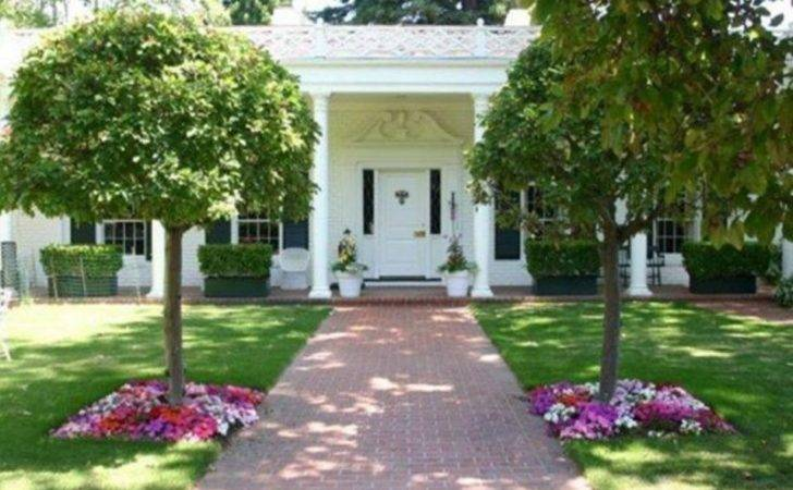 Magnificent Home Plan Simple Landscaping Ideas
