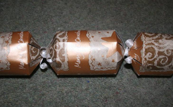 Make Your Own Personalised Christmas Crackers