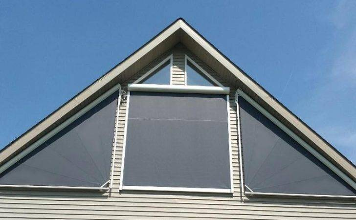Markilux Retractable Triangular Shade North