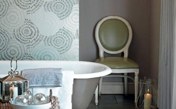 Metallic Bathroom Grasscloth