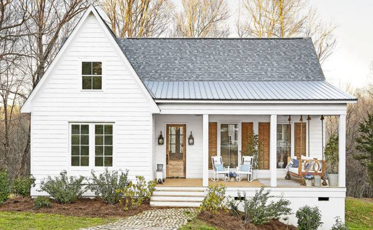 Mississippi Farmhouse Renovated Southern