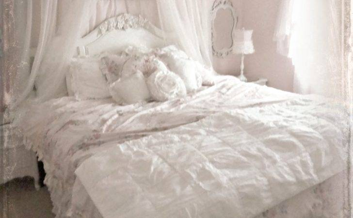 Not Shabby Chic Bed Crown Pet