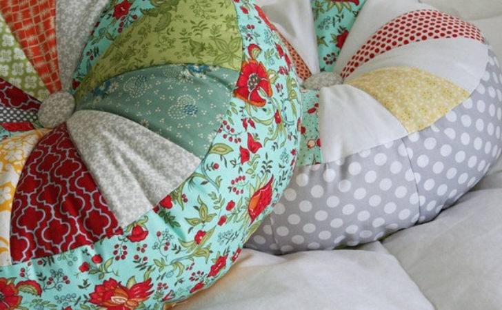 One Making Round Patchwork Pillowsmeet
