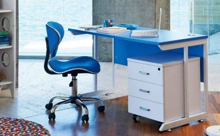 Outdoor Office Furniture Working Outside