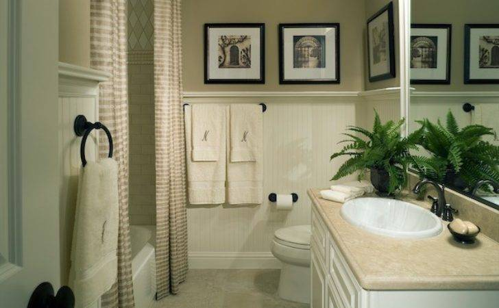 Painting Tips Make Your Small Bathroom Seem Larger