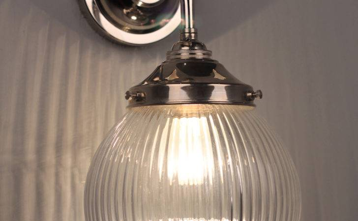 Pembury Traditional Prismatic Bathroom Wall Light