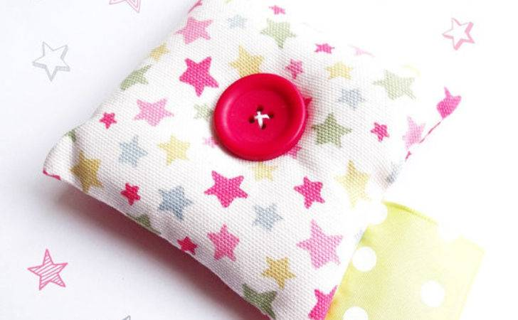 Pincushion Cath Kidston Star Funky Red Polka