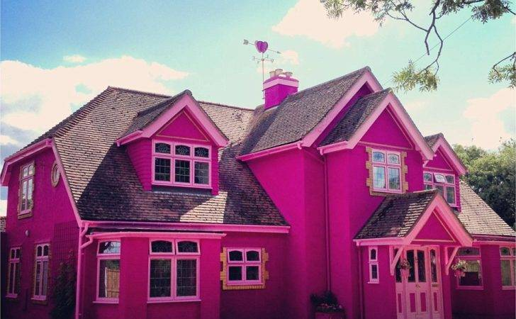 Pink Paradise Guest House Essex Complete