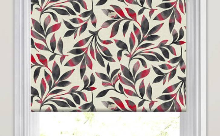 Red Black Cream Large Swirling Leaves Patterned Roller